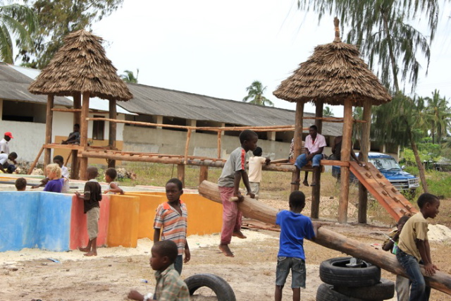 Building of a playground in Nungwi/Zanzibar
